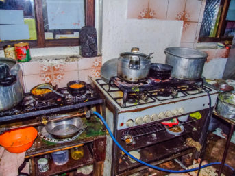 Typische Küche in jemenitischem Gasthaus