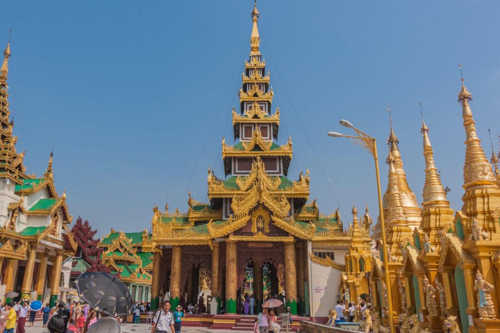 Eastern Devotional Hall - Buddha Kakusandha geweiht