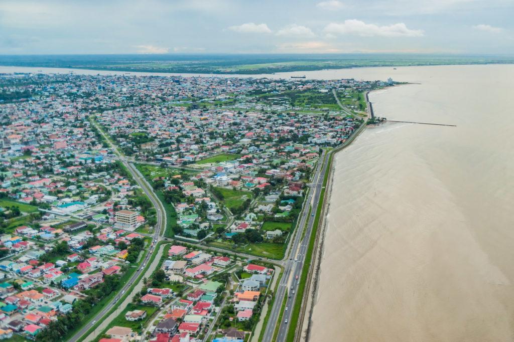 Guyanas Hauptstadt Georgetown an der Küste