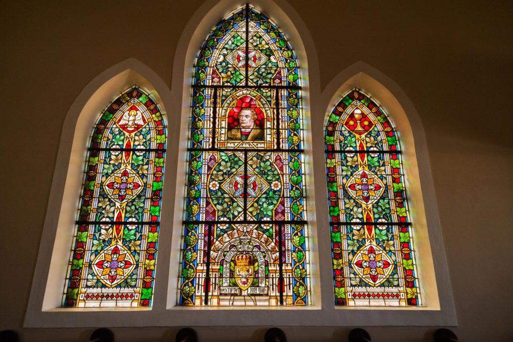 Das Lutherfenster in der Felsenkirche