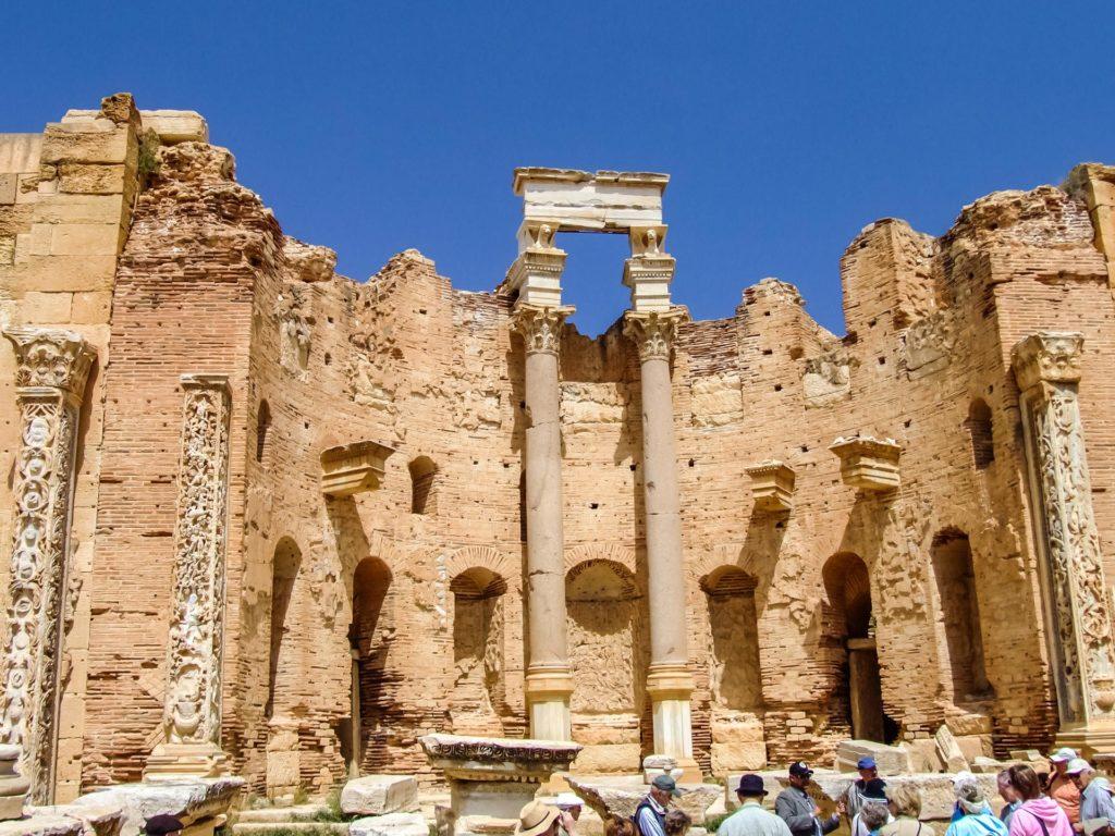 Die römische Basilika in Leptis Magna, Libyen