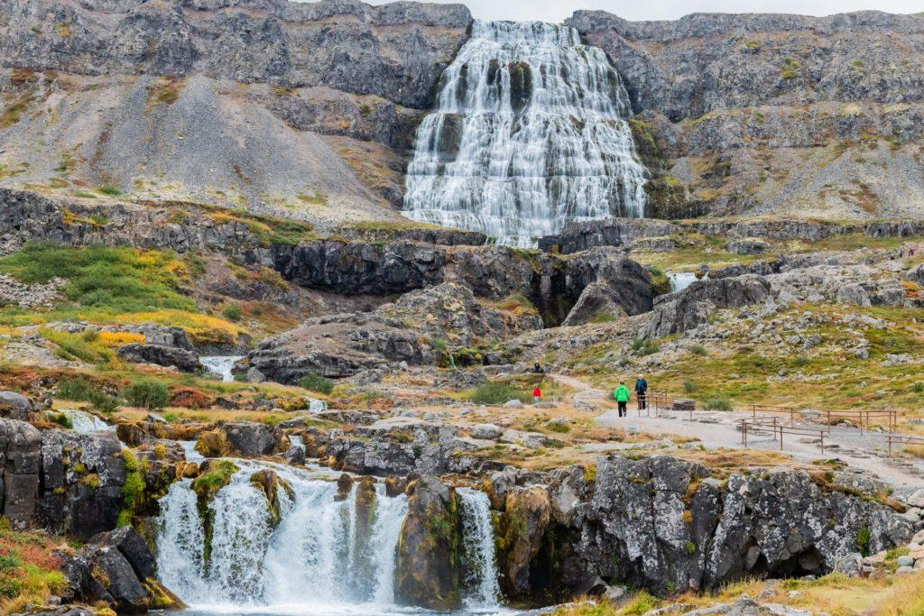 Dynjandi Wasserfall und seine weiteren Fälle