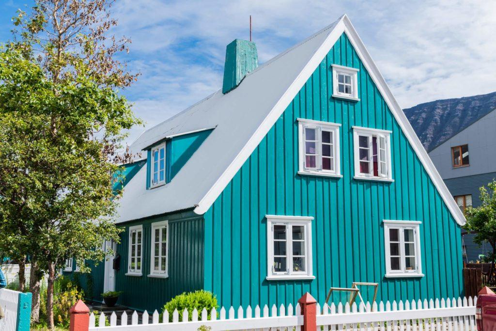 historisches Holzhaus in Isafjördur, Westfjorde