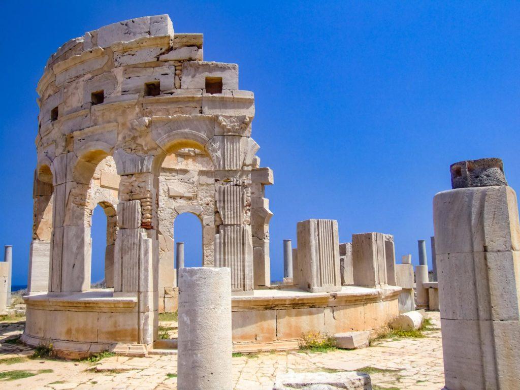 Ruinen des Marktpavillons in Leptis Magna