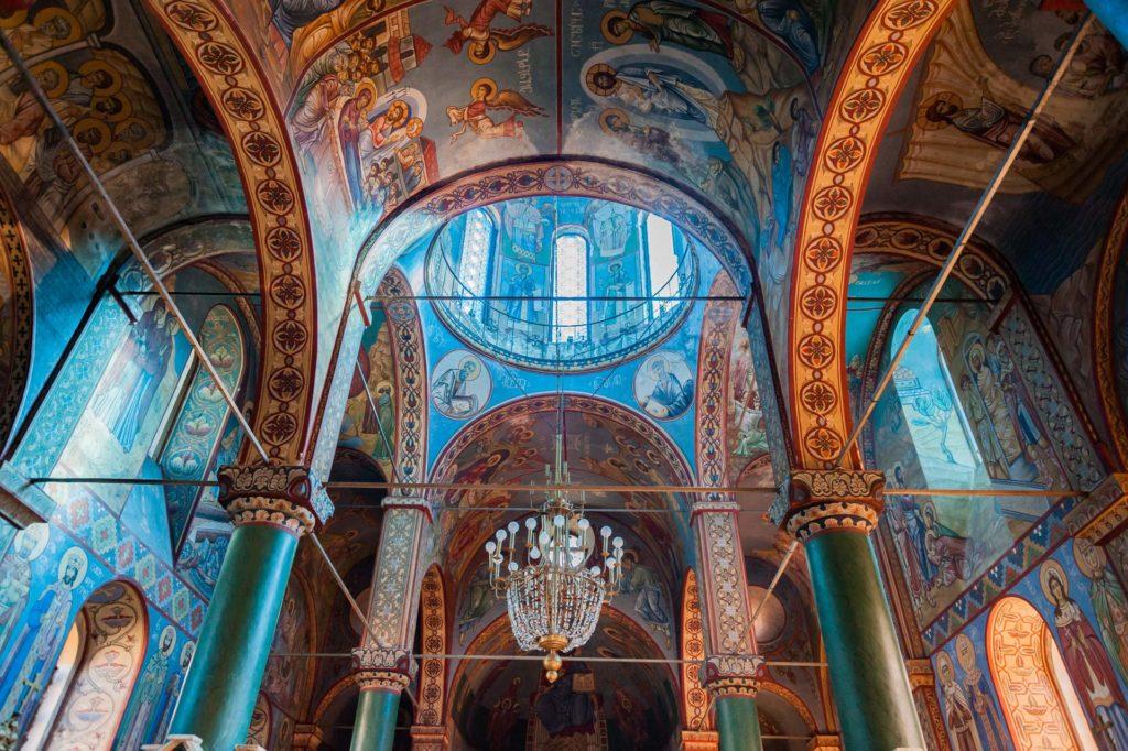 Nikolai-Kirche in Batumi, Innenansicht