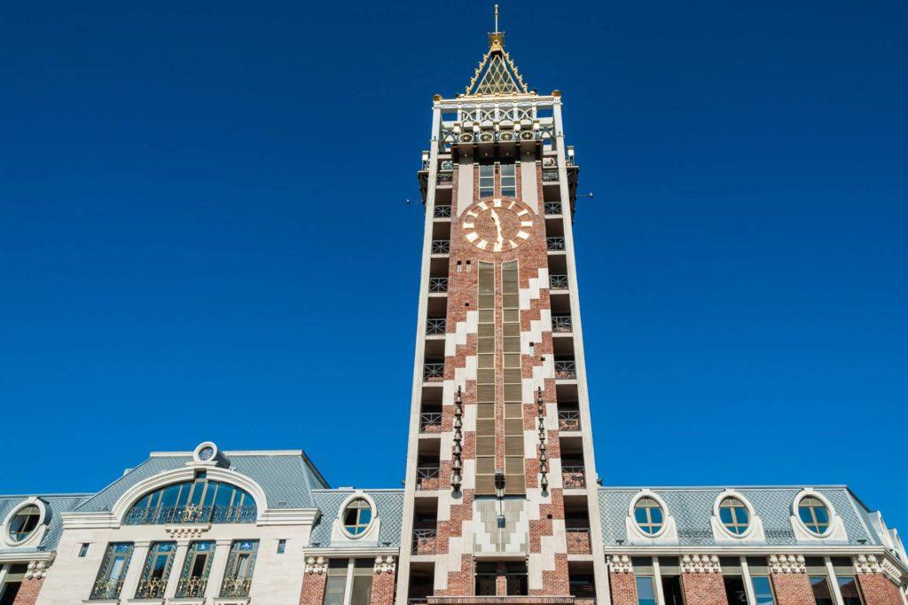 Uhrturm auf der Piazza