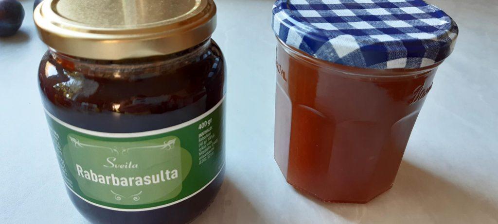 Rhabarbermarmelade: links original isländisch, rechts von Marieluise Erhart zuhause selbst gekocht
