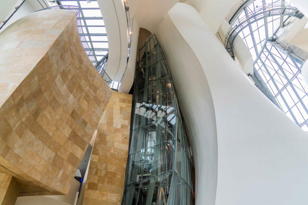 Das Guggenheim-Museum-Bilbao im Inneren